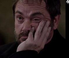 Can we all just take a moment to appreciate this face. I think I laughed for 3 minutes straight when I saw this face! Mark Sheppard, Supernatural Fans, Supernatural Episodes, Crowley, Destiel, Reaction Pictures, Misha Collins, My People, Movies Showing