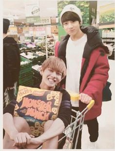 Does no one notice that V is holding MONSTER MUNCH!! He wants to feed the monster I guess haha!