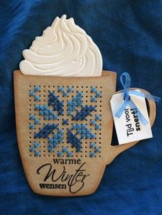 Kerst Cross Stitch Letters, Mini Cross Stitch, Cross Stitch Needles, Cross Stitch Cards, Stitching On Paper, Cross Stitching, Cross Stitch Embroidery, Creative Embroidery, Paper Embroidery