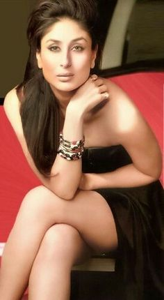 Lovely Kareena Kapoor.. l  .. For More: www.foundpix.com #KareenaKapoor #BollywoodActress #Ho #Kareenat