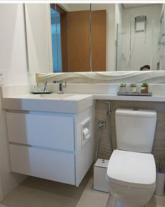 Small bathrooms decorated: 60 perfect ideas and designs - Home Fashion Trend Small Full Bathroom, Small Bathroom Storage, Bathroom Design Small, Bathroom Organisation, Bedroom Cupboard Designs, Bedroom Cupboards, Washroom Design, Bathroom Interior Design, Space Saving Bathroom