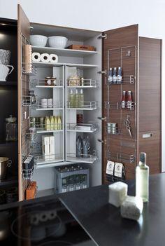 Bent u op zoek naar een nieuwe keuken in Leiden en omstreken? Barthen Keuken Design Center heeft alles in huis. Komt u kijken?