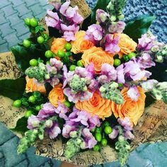 Simply FunTastic! www.thegreenpot.ro Special People, Flower Arrangements, Floral Wreath, Wreaths, Green, Flowers, Home Decor, Floral Arrangements, Decoration Home