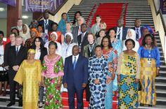 """""""Photo de famille"""" au 2e #forum mondial des #femmes #francophones @MarcThibaux"""