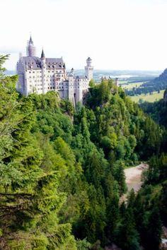 Schloss Neuschwanstein (Castle) in Bavaria, Germany; Bayern, Deutschland