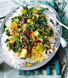 Pepper,-spinach-and-coconut-curry-with-crispy-kale