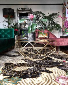 Today Dragon Florals Black & Gold is available for Pre-order, this works extremely well for us when we launch a new design, our skilled… Glam Living Room, Living Room Decor, Bedroom Decor, Eclectic Design, Eclectic Decor, Decoration, Art Decor, Decor Ideas, Interiores Art Deco
