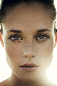 8 Makeup Looks That Make Freckles Look Amazing   Beauty High