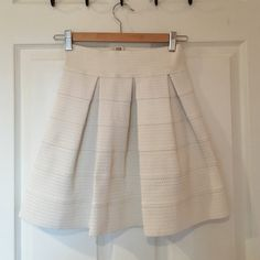 Skater skirt White skater skirt- stretchy material (size small but will fit medium and large) Skirts Circle & Skater