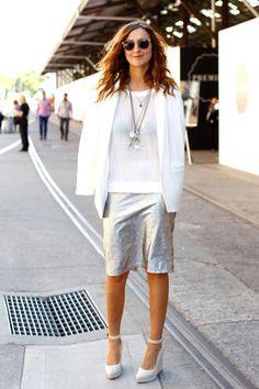 Directanente desde la decada de los 90' llegan las #faldas #metalicas. #outfit