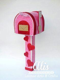Latinas Arts and Crafts: Reto # 51 de Latinas Arts and Crafts Valentine Boxes For School, Valentines For Kids, Valentine Day Crafts, Diy Valentine's Day Card Box, Diy Box, Diy Valentine's Mailbox, Valentine Activities, Arts And Crafts, Paper Crafts