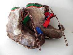 Sami shoes of reindeer skin handmade and by beautifulsweden