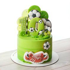 Football Birthday Cake, Baby Boy Birthday Cake, Birthday Cake Decorating, Cookie Decorating, Boys First Communion Cakes, Sports Themed Cakes, Video Game Cakes, Soccer Cake, Fashion Cakes
