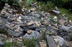Cairns www.dazzlingwhimsy.com #PATrails #hiking #familyfun #appalachiantrail