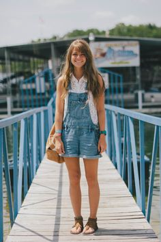 I used to have a pair of overalls and oh how I loved them so :P Wonder if I would still like them now?