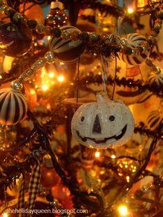 Halloween Folk Art by Melissa Valeriote: Halloween Tree Decor