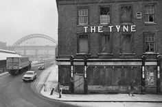 """scavengedluxury: """" The Tyne pub in the snow on Newcastle Quayside, Photo by Trevor Ermel. Newcastle Quayside, St Thomas Church, Newcastle Gateshead, Great North, Local History, Street Artists, Old Photos, Vintage Photos, Nice View"""