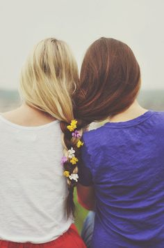 :) cute friend pic. I want to do this!