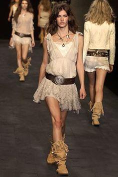 Anna Molinari Spring 2004 Ready-to-Wear Fashion Show Anna, Western Girl, Vogue, Models, Ready To Wear, Fashion Show, Runway, Bohemian, Beauty