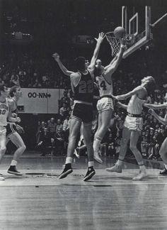 Oregon basketball 1968-69. From the 1969 Oregana (University of Oregon yearbook). www.CampusAttic.com