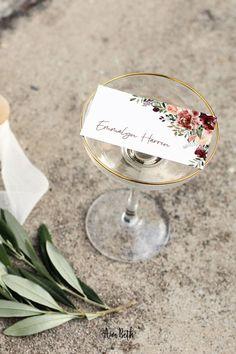 Burgundy Wedding Place Card Template - Burgundy Party Theme #burgundywedding #maroonwedding #merlotwedding #marsalawedding #burgundyflorals #maroon #burgundy #wedding #weddinginspo #bridetobe #weddingdecor #bridalshowerdecor #burgundybridal #template #printable #diy #editable #personalized #placecard #escortcard #nametag #namelabel #seatingchart #foodtentcard #weddingseating #weddingnamecard