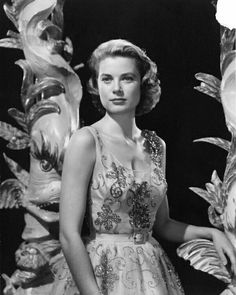 Grace Kelly ✾                                                       …