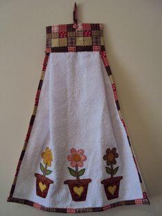 bate mao - Pesquisa Google Dish Towels, Hand Towels, Tea Towels, Sewing Hacks, Sewing Crafts, Sewing Projects, Accessoires Divers, Towel Dress, Towel Crafts