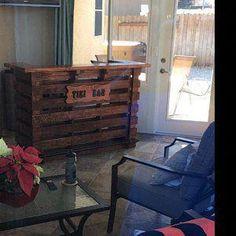 The Kona ~ Pallet Bar / Tiki Bar July Sale ~ The Most Incredible True Indoor & Outdoor Pallet Tiki Bar Outdoor Pallet Bar, Wood Pallet Bar, Wooden Pallet Furniture, Wood Pallets, Pallet Couch, Pallet Tv, Bars Tiki, Pallet Manufacturers, Tiki Bar Signs