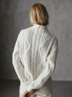 Elegant women's jumpers & cardigans for SS 2020 at Massimo Dutti. Jumpers For Women, Women's Jumpers, Chunky Knitwear, Fashion Dictionary, Warm Sweaters, Thing 1, Knitting Designs, Cable Knit Sweaters, Daily Fashion