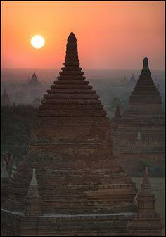 Old Bagan Sunrise, Pagan, Mandalay, Myanmar