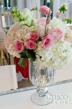 Blush Pink centrepiece By Unico Decor