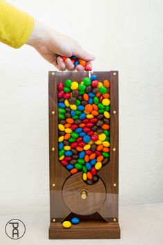 How to Make a Wood Candy Machine Wood diy, Diy wood projects, Small wood projects, Woodworking proje Small Woodworking Projects, Popular Woodworking, Woodworking Furniture, Fine Woodworking, Woodworking Crafts, Welding Projects, Woodworking Machinery, Woodworking Workbench, Woodworking Gift Ideas For Her
