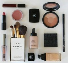 Chanel make up is my favourite kind as it looks so natural when worn and it makes my skin feel great. Chanel Makeup, Kiss Makeup, Love Makeup, Makeup Inspo, Makeup Inspiration, Hair Makeup, Makeup Blog, Makeup Tips, Makeup Ideas
