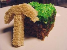 """""""A piece of cake that looks like a minecraft grass block and a rice crispy treat that looks like a minecraft pick."""" --------- THAT IS NOT A RICE CRISPY TREAT! It doesn't look anything like a rice crispy treat. WTF is wrong with you people? Minecraft Lunch, Minecraft Cake, Minecraft Stuff, Minecraft Ideas, Minecraft Party, Food C, Good Food, Awesome Food, Fun Food"""