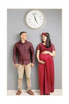 Maternity photos | burgundy dress | maternity dress | long dress | inspiration maternity photos #couple #red #burgundy #flowercrown #maternityphotos #love