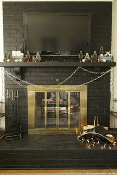 A Crhistmas Carol-Inspired Mantle and Fireplace Maintenance by Ace Blogger @primitiveproper