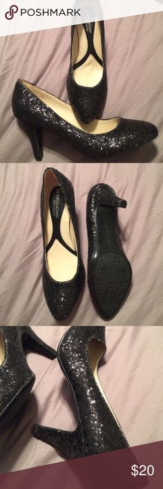 """Naturalizer sparkle heels nwot no box. 8w 2"""" heels.  never worn some sparkles have come off but still look great. Naturalizer Shoes Heels"""
