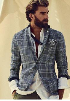 Nice plaid jacket with a pocket square   Belle veste à carreaux avec un mouchoir de poche