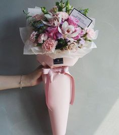 Hand-tied Bouquet | Vaness Florist Bouquet ||  Korean Artistic & Elegent Flower Bouquet <Perfect gift for every occasion > Colourful pastel flowers tied with baby pink wrapper