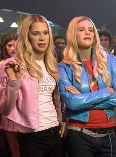 Terry Crews, who played pro basketball player Latrell Spencer in the 2004 film, mentioned the long-awaited White Chicks sequel on Andy Cohen's live show. Marlon Wayans, As Braquelas, Mean Girls, Iconic Movies, Good Movies, White Chicks Movie, Movies Showing, Movies And Tv Shows, Halloween Outfits