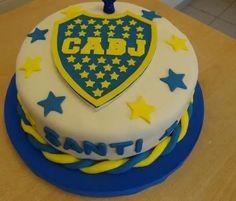 tortas equipos de futbol boca banfield river etc x kg Ideas Para Fiestas, Birthday Cake, Cupcakes, Desserts, Cookies, Food, Cakes With Fondant, Cake Designs, Barnyard Cake