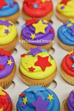 Colourful wiggles cupcakes with stars Wiggles Birthday, Wiggles Party, 2 Birthday Cake, Twin Birthday, 3rd Birthday Parties, Birthday Party Decorations, Cupcake Party, Party Cakes, Cupcake Cakes