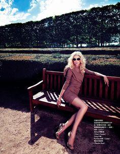 M: Melissa Tammerijn, P: Naomi Yang, S: Vanessa Metz (Vogue Taiwan Septermber 2013)