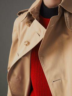 The Long Kensington Heritage Trench Coat in Honey - Women | Burberry Australia - cell image 1