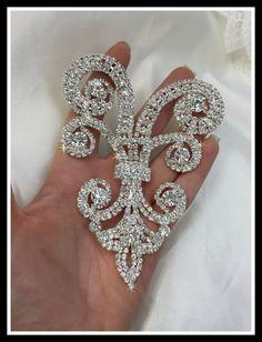 Hey, I found this really awesome Etsy listing at https://www.etsy.com/listing/245069041/rhinestone-applique-rhinestone-jewelry