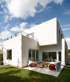 Casa Cambrils by Ábaton Arquitectura