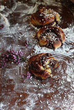 Smarriga Chokladbollsbullar | Sweet and Simple