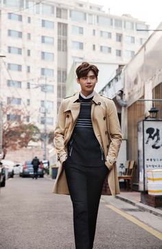 Actor Lee Jong Suk, wearing a Burberry Sandringham trench coat in honey, in Shinsa-dong for Art of the Trench Seoul