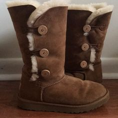 d37413f3869 7 Best Chestnut uggs images   Casual outfits, Cute outfits, Ugg boots
