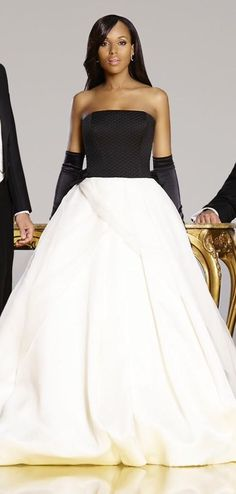 Kerry Washington/ Olivia Pope in gown designed by Vera Wang for Season 4 promo pic pic.twitter.com/uhK5IOL7NQ